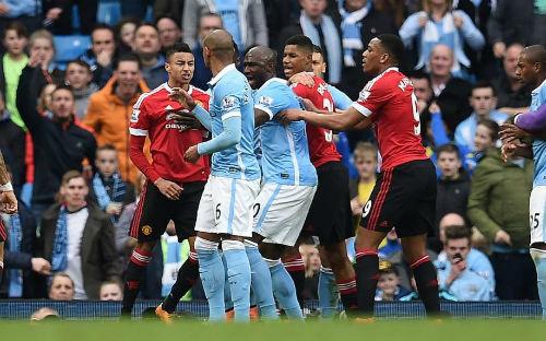 Top 4 Ngoại hạng Anh: Derby Manchester quyết định tất - 1