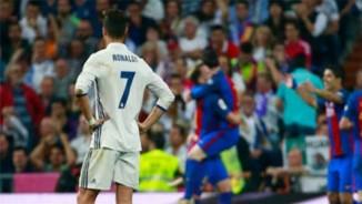 Barca thắng Siêu kinh điển: Đừng sướng quá mà... tụt hố