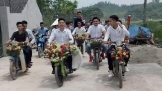 Đám cưới bằng xe Cub tại Nghệ An gây xôn xao dân mạng