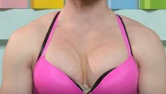 """Bạn sẽ sốc khi biết """"mỹ nhân"""" có bộ ngực ngồn ngộn này!"""