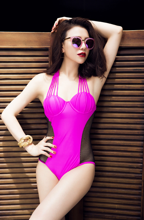 Lần đầu Trà Ngọc Hằng mặc bikini sexy không đơn lẻ như xưa - 9
