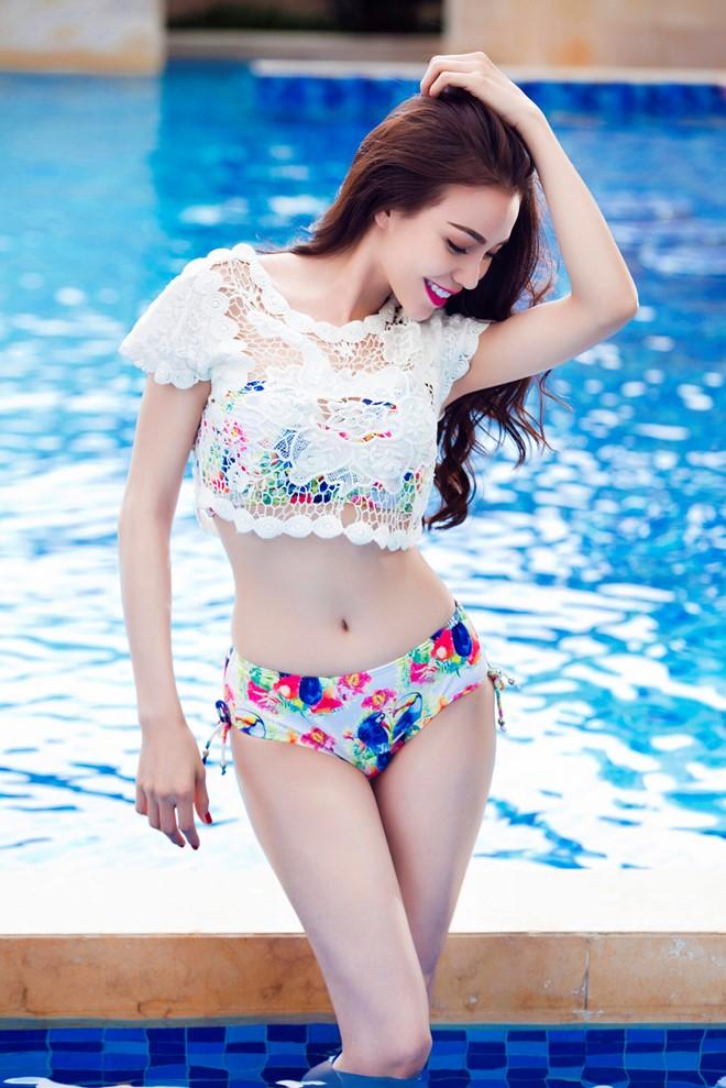 Lần đầu Trà Ngọc Hằng mặc bikini sexy không đơn lẻ như xưa - 12