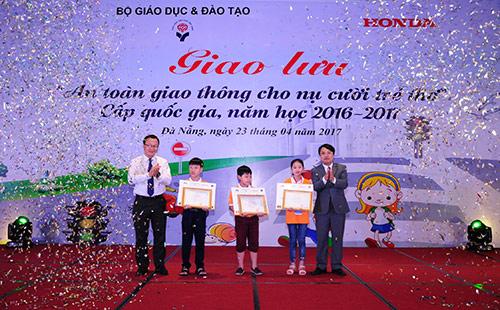 An toàn giao thông cho nụ cười trẻ thơ năm học 2016– 2017 - 3