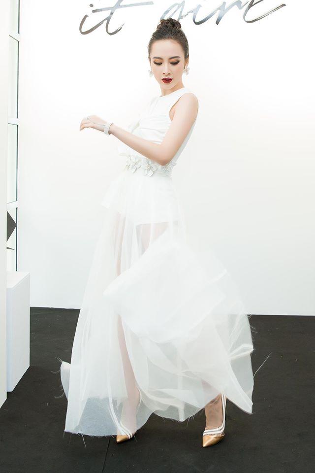 Hari Won hấp dẫn với váy xẻ ngực, Midu buông lơi khêu gợi - 2