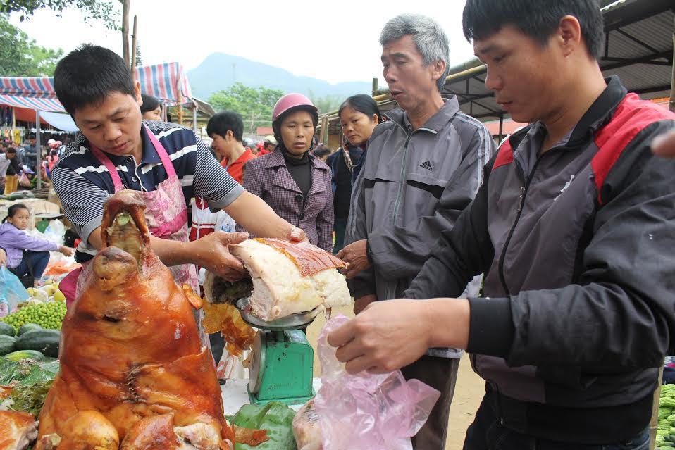 """Ngắm """"rừng"""" lợn quay ở Lạng Sơn, ai cũng phát thèm! - 4"""