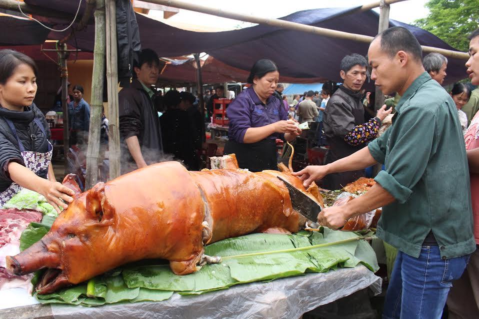 """Ngắm """"rừng"""" lợn quay ở Lạng Sơn, ai cũng phát thèm! - 6"""