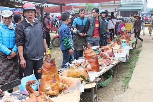 """Ngắm """"rừng"""" lợn quay ở Lạng Sơn, ai cũng phát thèm! - 7"""