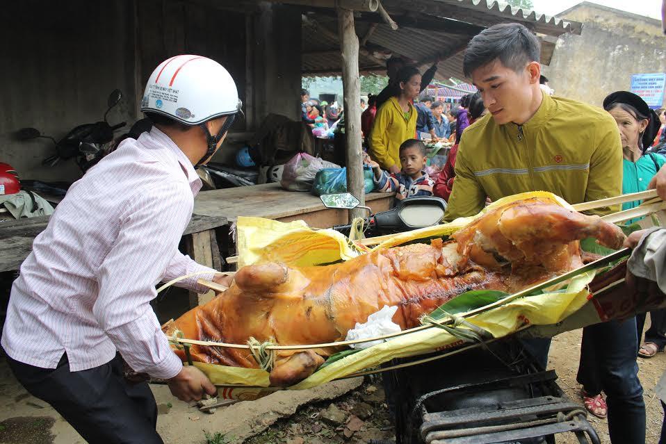 """Ngắm """"rừng"""" lợn quay ở Lạng Sơn, ai cũng phát thèm! - 8"""