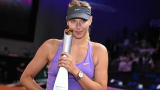 """Sharapova bí hiểm """"luyện công"""" trước ngày tái xuất"""