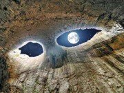 """Đôi  """" mắt thần """"  kỳ dị đáng sợ trong hang động lớn nhất Bulgari"""