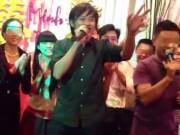 Hoài Linh hát đám cưới: Khán giả nườm nượp, hai họ phấn khích