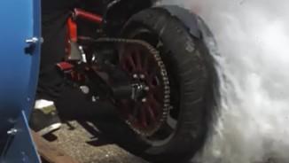 Xem màn đốt lốp xe phân khối lớn độc nhất vô nhị