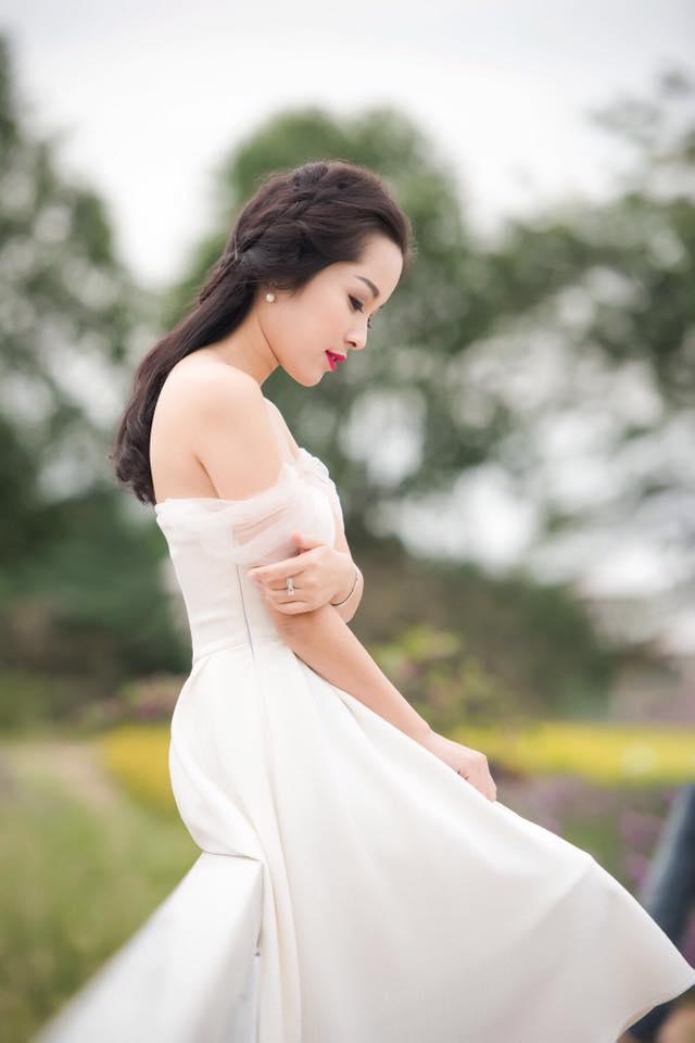 """""""Vàng Anh"""" Minh Hương khoe eo thon, dáng chuẩn nuột từng cm - 6"""