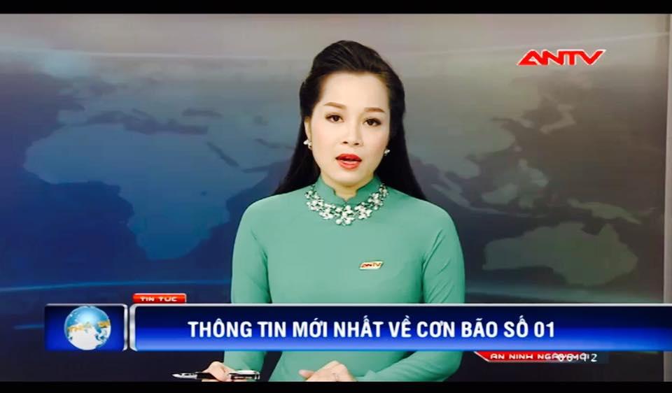 """""""Vàng Anh"""" Minh Hương khoe eo thon, dáng chuẩn nuột từng cm - 11"""