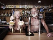 Du lịch - Độc và dị, ngôi làng toàn người khỏa thân ở Anh