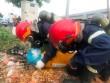 """TP.HCM: Truy tìm """"thủ phạm"""" vứt 2 bình thép nghi chứa khí lỏng cực độc"""