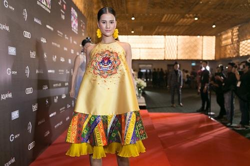 """Bà Tưng mặc quần """"boxing"""", An Nguy diện yếm trên thảm đỏ - 9"""