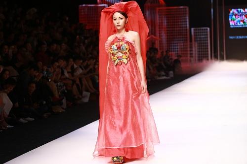 """Bà Tưng mặc quần """"boxing"""", An Nguy diện yếm trên thảm đỏ - 12"""