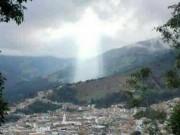 Phi thường - kỳ quặc - Đám mây hình Chúa Jesus xuất hiện ở nơi sạt lở đất giết 17 người