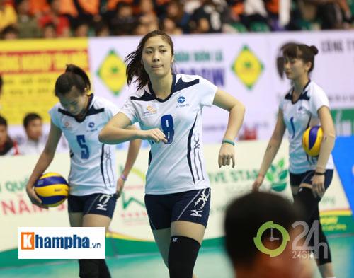 Dàn chân dài trẻ, giỏi, lại còn xinh ở ĐT bóng chuyền nữ U23 VN - 4