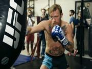 """""""Gã điên"""" McGregor luyện boxing, học Lý Tiểu Long"""