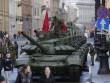 Nga rầm rộ chuẩn bị dịp lễ trọng, vũ khí để chật đường