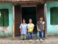 Gia cảnh khốn khó của gia đình toàn người lùn ở Hưng Yên