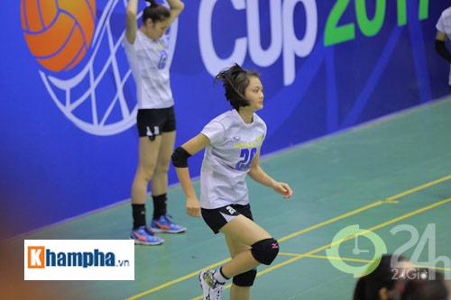 Dàn chân dài trẻ, giỏi, lại còn xinh ở ĐT bóng chuyền nữ U23 VN - 8