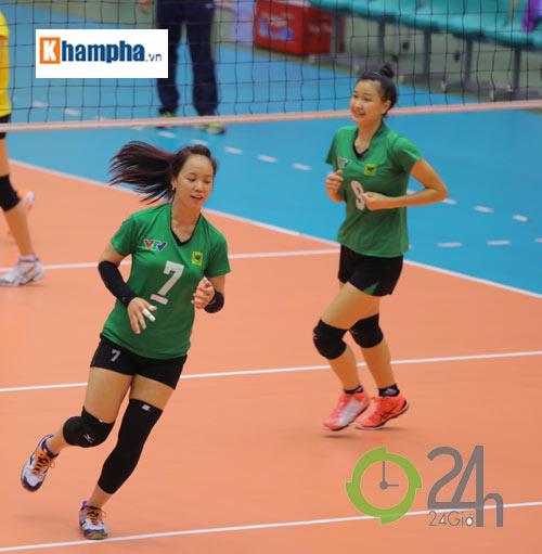 Dàn chân dài trẻ, giỏi, lại còn xinh ở ĐT bóng chuyền nữ U23 VN - 13