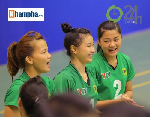 Dàn chân dài trẻ, giỏi, lại còn xinh ở ĐT bóng chuyền nữ U23 VN - 14
