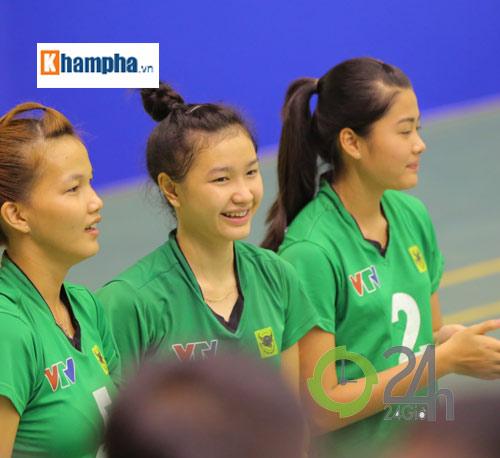 Dàn chân dài trẻ, giỏi, lại còn xinh ở ĐT bóng chuyền nữ U23 VN - 15
