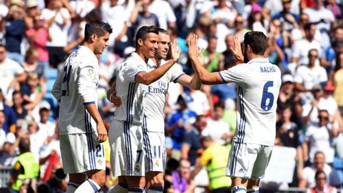 Soi bảng lương ở Real: Ronaldo gấp 100 lần đàn em - 1