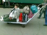 101 kiểu vận chuyển hành lý hài hước ngày nghỉ lễ