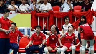 Bóng chuyền: So tài Ngọc Hoa, chân dài Triều Tiên suýt bỏ trận