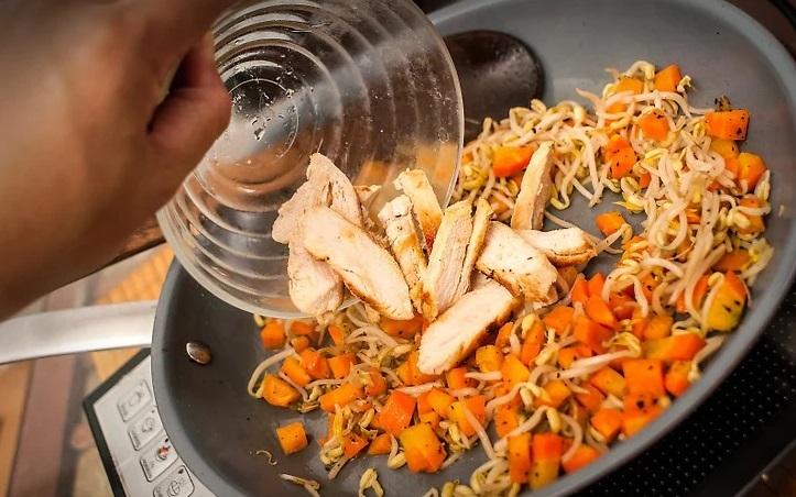 Tuyệt chiêu làm cơm rang đơn giản cứu đói ngày tan muộn - 3