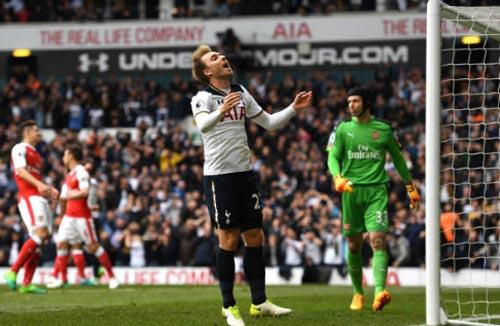 Tottenham - Arsenal: 146 giây định đoạt derby - 1