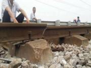 Phát hiện đường ray gãy, hơn 1.100 hành khách thoát nạn