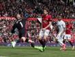 """MU - Swansea: Pha """"ăn vạ"""" ranh mãnh (H1)"""