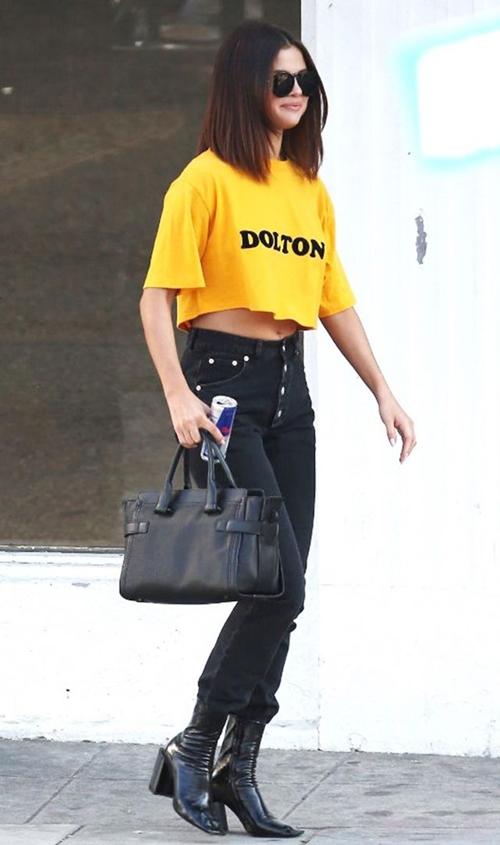 Selena Gomez không thèm mặc 7 món này từ lâu rồi! - 3