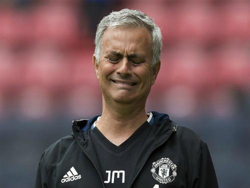 """MU bất bại 25 trận: Mourinho bị """"chế giễu"""", không có viện binh - 1"""