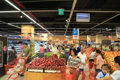 Dịp lễ 30-4: Chợ vắng, siêu thị chen nhau từng centimet - 4