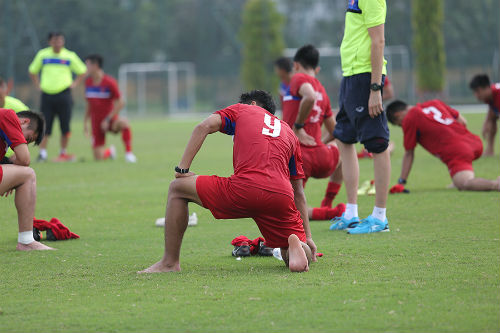 Cầu thủ khoẻ nhất U20 Việt Nam đầu hàng bài tập thể lực - 1