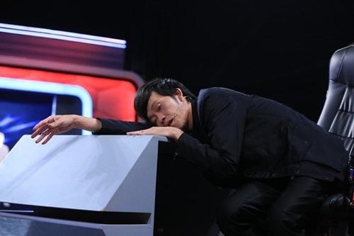 """Có xế hộp 2,3 tỷ, Hoài Linh vẫn ôm vật này khi """"trốn viện"""" chạy show - 1"""