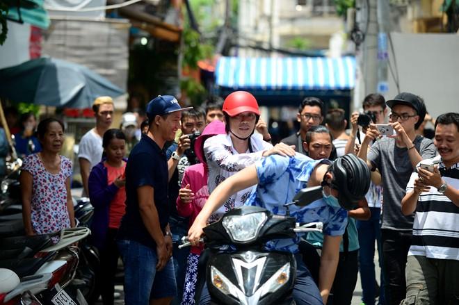 """Có xế hộp 2,3 tỷ, Hoài Linh vẫn ôm vật này khi """"trốn viện"""" chạy show - 10"""