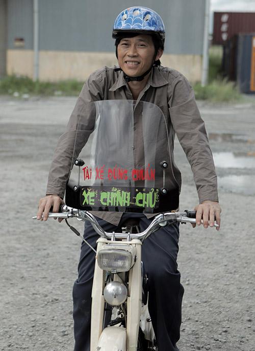 """Có xế hộp 2,3 tỷ, Hoài Linh vẫn ôm vật này khi """"trốn viện"""" chạy show - 14"""