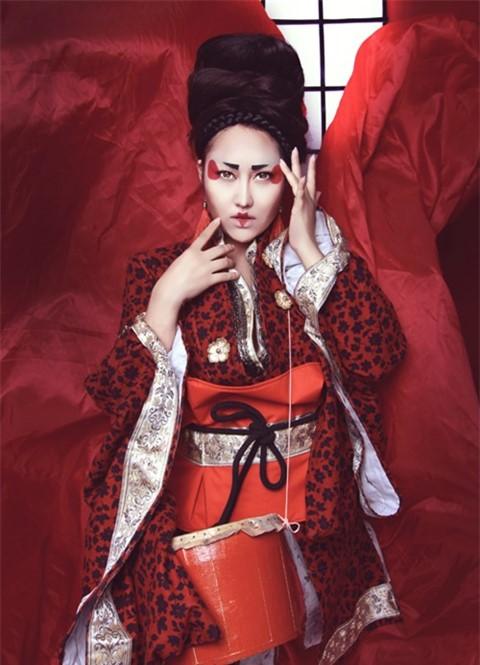 Quỳnh Anh, Phương Mỹ Chi diện kimono sexy hơn gái Nhật - 1