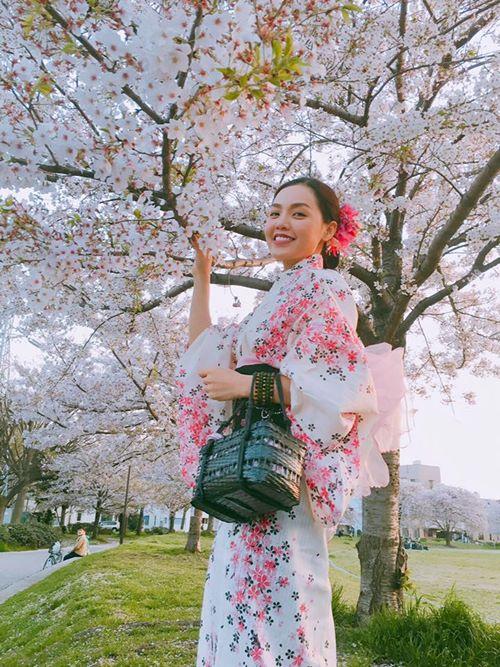 Quỳnh Anh, Phương Mỹ Chi diện kimono sexy hơn gái Nhật - 3