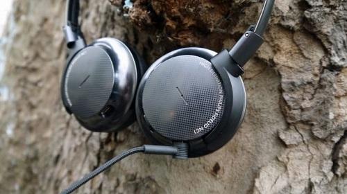 Top 10 tai nghe chống ồn tốt nhất hiện nay - 1