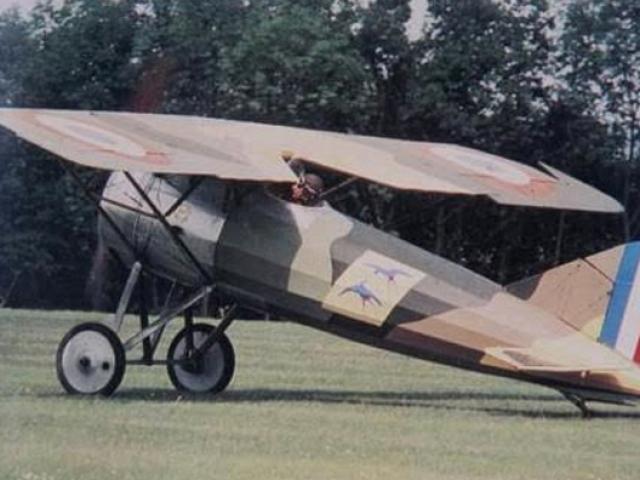 Chuyện về người sở hữu máy bay đầu tiên ở Việt Nam