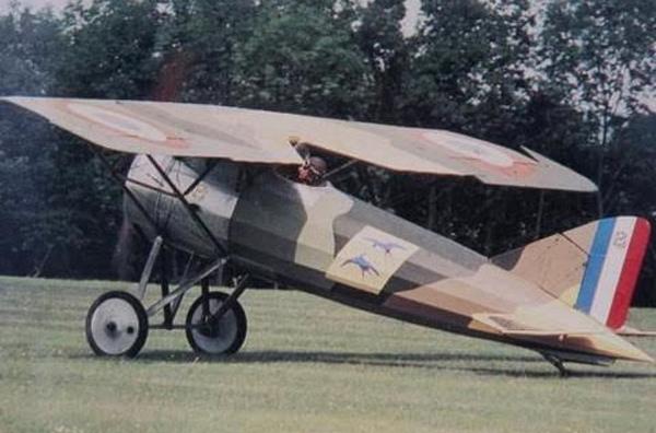 Chuyện về người sở hữu máy bay đầu tiên ở Việt Nam - 1
